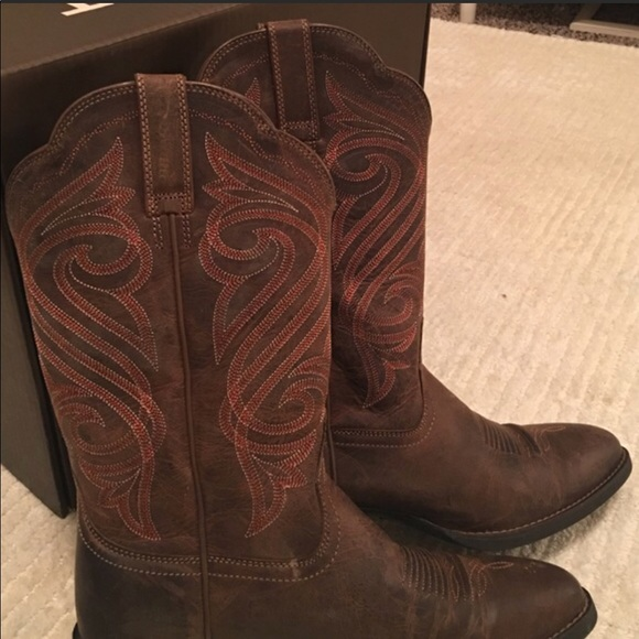 "d95b37deb6d Ariat Women's ""Round Up R Toe"" Boots size 7"